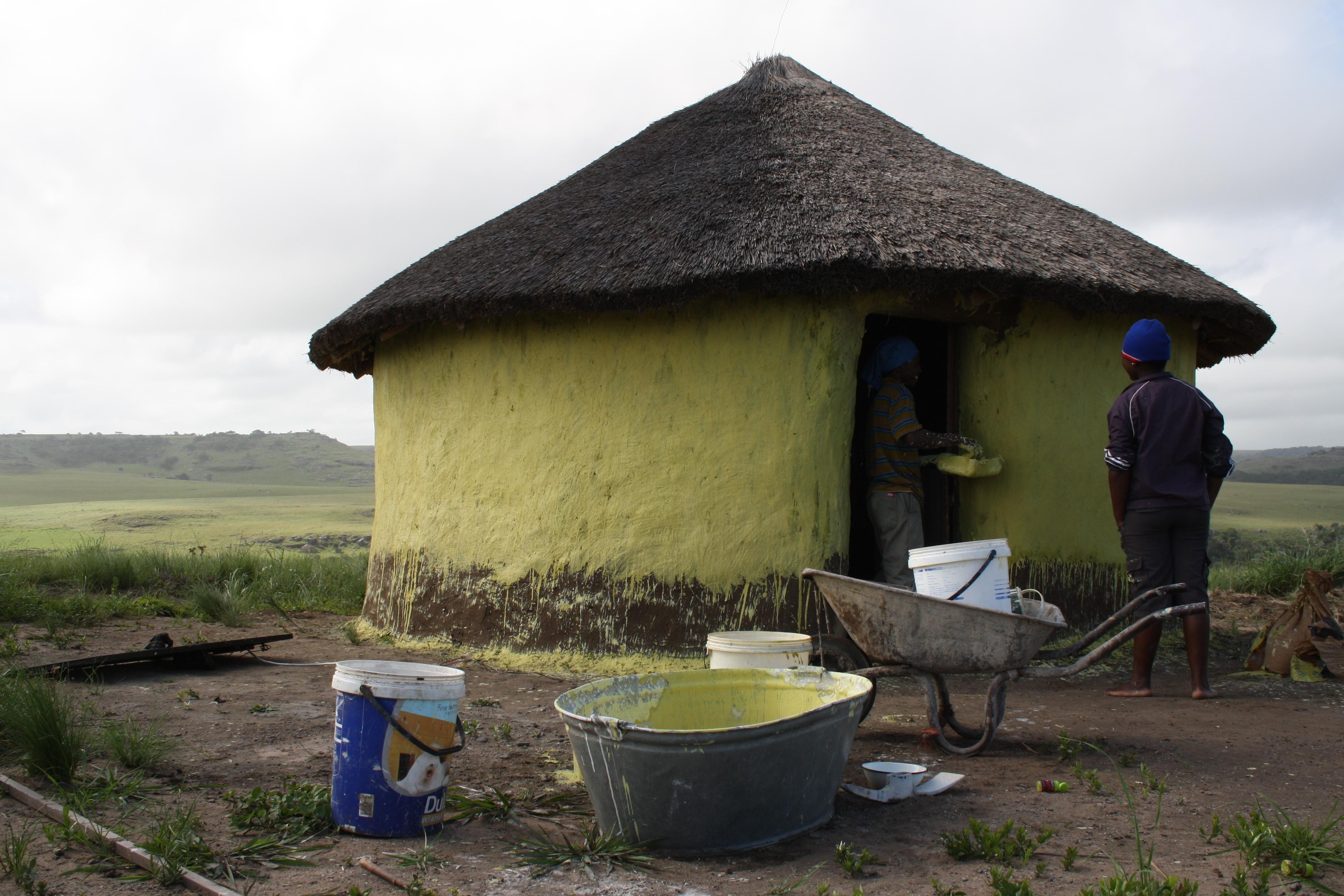 7 - Ndengane - Tipica Capanna Xhsosa in completamento, 2011